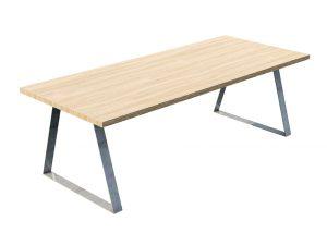 Spisebord i stål og tre