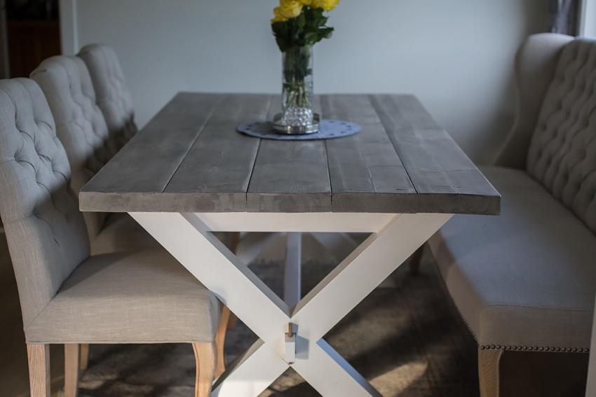 Spisebord i heltre (bordplate)